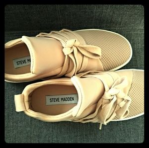 Steve Madden Lancers Sneakers